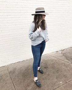 Cait Fore from Sophisticaited pearl sweater and dark wash jeans winder outfit