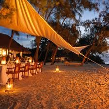 tent dining with lanterns - beautiful