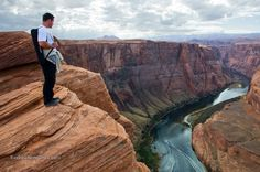 Horseshoe Bend Cliff, River, Standing on a cliff