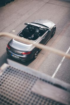 The design philosophy behind the Mercedes-Benz C-Class Cabriolet is sensual purity as the definition of contemporary luxury. [Combined fuel consumption 6.3–6.0 l/100km   combined CO2 emission 143–136 g/km   http://mb4.me/efficiency_statement]