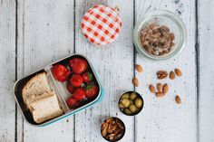 How to avoid the pre-made snack trap. Eco food storage solutions, stainless steel lunch box containers. via www.thishouseourhome.com
