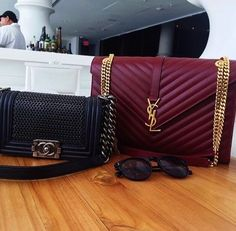 YSL burgundy bag 😱😱😱so beautiful Fashion Handbags, Purses And Handbags, Fashion Bags, Fashion Jewelry, Ysl Bag, Chanel Boy Bag, Burgundy Bag, Sacs Design, Yves Saint Laurent Bags