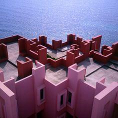 :La Muralla Roja by Ricardo Bofill