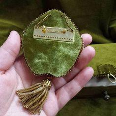 #изнанка#шелковыйбархат#японская#булавка#delica#handmade #beadwork #beautiful #embroidery #marianti_jewelry