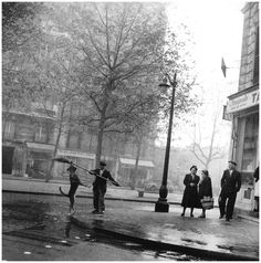 """""""The marvels of daily life are exciting; no film director can arrange the unexpected that you find on the street."""" __ quote and photography by Robert Doisneau, The Tobacconist's Dog, Arrondissement, Paris, 1953 Henri Cartier Bresson, Photography Office, History Of Photography, Photography Lessons, Classic Photography, Minimalist Photography, Urban Photography, People Photography, Mobile Photography"""