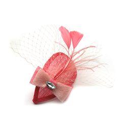 Tocado lágrima con lazo y broche - Befana Sombreros Fascinator, Fascinator Diy, Headpiece, Facinator Hats, Fascinators, African Hats, Cocktail Hat, Fancy Hats, African Fabric