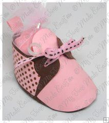 Would be cute in blue for a baby boy`s shower