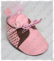 baby shoe favor