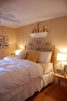 I LOVE this room as a guest room for my house! The monogram on the shelf is adorable