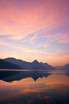 Beautiful sunrise over mountains, reflected on lake. Sunrise Mountain, Sunrise Lake, Sunrise Window, Lake Photography, Sunrise Photography, Landscape Photography, Cool Landscapes, Beautiful Landscapes, Sunrise Tattoo