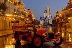 Welcome to Walt Disney World. Come and enjoy the magic of Walt Disney World Resort in Orlando, FL. Plan your family vacation and create memories for a lifetime. Disney World Magic Kingdom, Disney World Parks, Disney World Resorts, Disney Vacations, Disney Trips, Disney Travel, Orlando Resorts, Orlando Usa, Visit Orlando