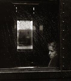 "Toni Schneiders ""Wartende Frau"" (Woman Waiting), 1951 Thanks to undr"