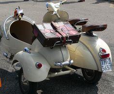 VWD 2014#scooters#vespa#sidecar