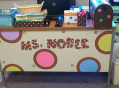 polka dot teacher's desk- too cute. I could do this in chevron. I've gone trendy and picked that for m classroom theme