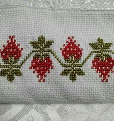 This Pin was discovered by Zey Cross Stitch Pillow, Cross Stitch Tree, Cross Stitch Borders, Cross Stitch Flowers, Cross Stitch Designs, Cross Stitching, Cross Stitch Patterns, Embroidery Patterns Free, Embroidery Designs
