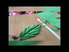 Crepe Paper Flowers Tutorial, Paper Flowers Craft, Paper Flower Backdrop, Paper Roses, Flower Crafts, Giant Flowers, Felt Flowers, Fabric Flowers, Foam Crafts
