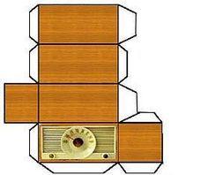 RADIO - cloe Serrato - Álbumes web de Picasa Paper Doll House, Doll House Crafts, Paper Houses, Paper Furniture, Doll Furniture, Dollhouse Furniture, Diy Dollhouse, Dollhouse Miniatures, Vitrine Miniature