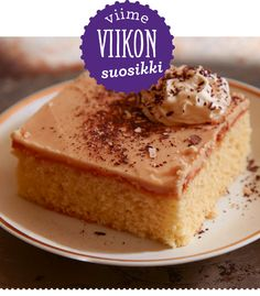 Ihanat toffeepalat singahtivat heti makulaisten to do -listalle. Paksujen ja mehevien ruutujen kivan voinen maku höystetään espressolla! Finnish Recipes, Norwegian Food, Sweet Bakery, Cake Bars, Sweet Pie, Yummy Cakes, No Bake Cake, Cake Recipes, Food Porn
