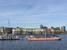 Unsere Hamburger Seminare finden direkt an der Alster, mitten im Herzen Hamburgs statt.