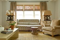 great bold & graphic pattern on this #sofa from Janie Molster Design! #InteriorDesign #furniture