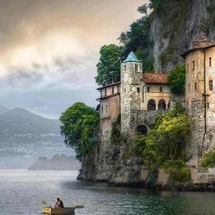 Seaside, Varese, Italy photo via jennifer travelbird.be/bella-italia Places Around The World, The Places Youll Go, Places To See, Around The Worlds, Dream Vacations, Vacation Spots, Beautiful World, Beautiful Places, Amazing Places