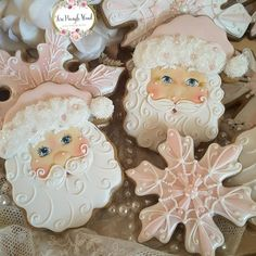 20 of the best decorated Christmas cookies. Different cookie cutouts and decorating styles are here with some easy recipes thrown into the mix as well. Find classics such as shortbread cookies gingerbread cookies sugar cookies and more! Cute Christmas Cookies, Noel Christmas, Pink Christmas, Christmas Goodies, Holiday Cookies, Christmas Treats, Christmas Baking, Christmas Decorations, Christmas Gingerbread