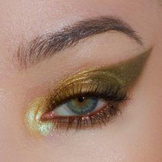 makeup jigsaw eye makeup remover oil free makeup kit names makeup golden makeup zara eye makeup is best for sensitive eyes makeup gold makeup jewels Makeup Goals, Makeup Kit, Makeup Inspo, Makeup Inspiration, Beauty Makeup, Hair Makeup, Dress Makeup, Eye Makeup Remover, Makeup Brushes