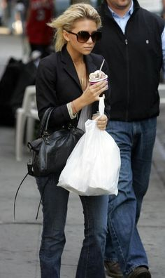 Blazer, white tee, long draping necklace, great jeans and leather bag?  Simple and just so good.