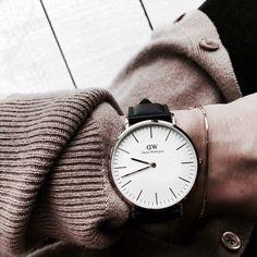 21 Ideas Fashion Minimalist Daniel Wellington For 2019 Dw Watch, Hand Watch, Minimalist Shoes, Minimalist Fashion, Minimalist Wardrobe, Stylish Watches, Luxury Watches, Outfits Kombinieren, Daniel Wellington Watch