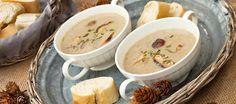 Simpel recept voor verrukkelijke herfst soep met de volle smaak van paddestoelen en tijm.