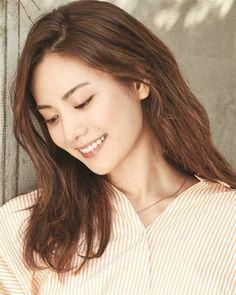 "Nana on Instagram: ""#NANA #나나 So cute 😻 #happynanaday #happy_nana_day ( Follow Pls @nanaa.news 💞) _ #나나 #Nana #imjinah #임진아 #jinah #afterschoolnana #임나나…"" Im Jin Ah, K Idols, Kpop Girls, Pearl Earrings, Female, Cute, Asian, Pearl Studs, Kawaii"