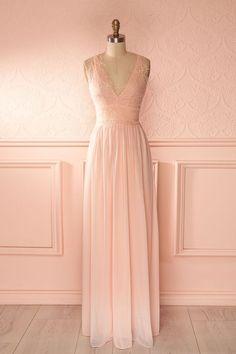 297217d297d Julietta Pink. Robe longue voile rose pâle buste décolleté plongeant  dentelle - Light pink maxi veil dress lace bust plunging neckline