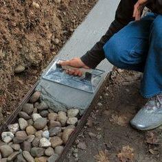 Excellent simple ideas for your inspiration Garden Fencing, Garden Paths, Landscape Design, Garden Design, Concrete Patio Designs, Concrete Retaining Walls, Building Foundation, Sloped Garden, Diy Garden Decor