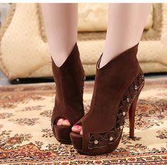 Open Toe Brown Booties ~5.5 inches heel high Oh my! I gotta have!♥♥♥  #booties #opentoebooties #sexybooties