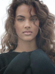 Jessica Ann Strother//female, African American, brown skin, dark skin, young adult, adult, light brown hair, curly hair, natural hair