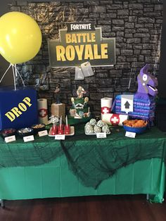 Dylan's Fortnite Battle Royal Party 7th Birthday Party For Boys, 13th Birthday Parties, Birthday Party Tables, 12th Birthday, Sixteenth Birthday, Birthday Ideas, Birthday Games, Birthday Board, Battle Royal