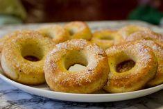 Keto-Kati: Viljattomat munkkidonitsit vappuun. Onion Rings, Bagel, Doughnut, Keto, Bread, Ethnic Recipes, Desserts, Food, Tailgate Desserts