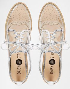 Daisy Street | Daisy Street - Chaussures plates style richelieu - Transparent chez ASOS