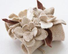 Boho style flower cuff bracelet wool eco fashion unique natural jewelry textile fiber art white beige felted present gift wedding