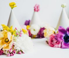 It's always fun to get dressed up for birthday parties, holiday parties, or any kind of party really. Learn how to create custom party hats and rock it at your… Diy Party Hats, Party Favors, Fiestas Party, Party Fiesta, Little Presents, Deco Floral, Diy Hat, Diy Wedding Decorations, Diy Flowers
