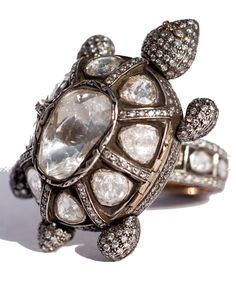 Munnu Gem Palace ring,