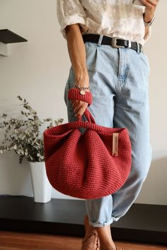 Best 12 Totally handmade crochet tote bag with short or long knitted handles. Huge variety of colors available. Inspired by minimalistic Scandinavian style – SkillOfKing. Crochet Bowl, Knit Crochet, Welcome September, Crochet Market Bag, Boho Bags, Crochet Handbags, Knitted Bags, Crochet Designs, Handmade Bags