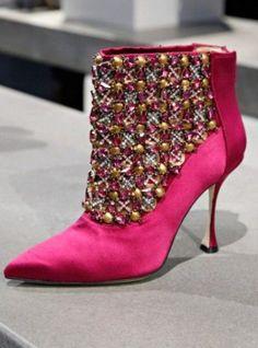 Manolo Blahnik Shoes Collection Autumn Winter 2014 2015-5 #jimmychooheelsmanoloblahnik