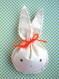 #diy idea rabbit #easter Konijnenzakjes (you can buy them too via Etsy)