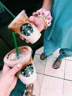 Starbucks Secret Menu, Starbucks Drinks, Starbucks Coffee, Iced Coffee, Coffee Drinks, Coffee Shop, Starbucks Recipes, Coffee Recipes, Coffee Is Life