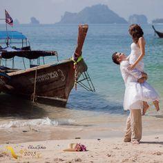 هنوز در سفرم خیال میکنم در آبهای جهان قایقی است و من - مسافر قایق - هزارها سال است سرود زنده دریانوردهای کهن را به گوش روزنههای فصول میخوانم و پیش میرانم. سهراب سپهری #سفر #گردشگری #ماه_عسل #نامزدی #ازدواج #شعر #عاشقانه #سهراب_سپهری #تایلند #تابستان #دریا #عشق #همسر #دوستی #محبت #خوبی #Travel #Tourism #honeymoon #TAT #TATIran #DiscoverThainess #AmazingThailand2015 #summer #beach #Thailand #poem #lovely