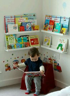 Girlystan: Montessori: layout of a reading corner in a room of 3 . - Trend NB - Girlystan: Montessori: layout of a reading corner in a room of 3 … – - Boy Toddler Bedroom, Baby Bedroom, Baby Boy Rooms, Girls Bedroom, Bedroom Chair, Toddler Boy Room Ideas, Bedroom Wall, Baby Boy Bedroom Ideas, Bedroom Themes
