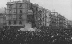 28 noviembre 1909, Se inaugura el monumento a Segismundo Moret en el lugar donde estaba situada la Puerta del  Mar