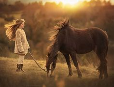 This Russian Photographer Captures Stunning Photos Of Kids And Their Pets - World's largest collection of cat memes and other animals Pretty Horses, Horse Love, Beautiful Horses, Horse Girl Photography, Farm Photography, Zebras, Funny Animals, Cute Animals, Tier Fotos