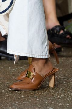 Sep 2019 - Lanvin Spring 2020 Fashion Show Details. All the fashion runway close-up details, shoes, and handbags from the Lanvin Spring 2020 Fashion Show Details. Paris Fashion, Fashion Shoes, New Shoes, Fashion Details, Lanvin, Designer Shoes, Me Too Shoes, Shoe Boots, Dress Shoes